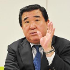 石川 明 氏